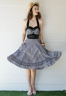 jessica-elegant-giraffe-vintage-in-black-gingham-pin-up-dress