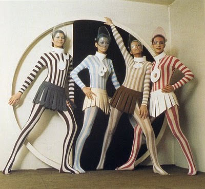 pierre-cardin-space-inspired-fashion-1969