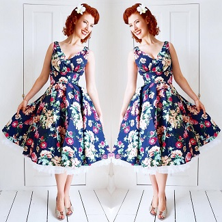 jessica-out-of-the-closet-in-maggie-floral-dress-sized