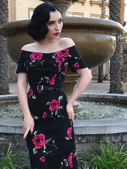 miss-vintage-lady-in-olivia-wiggle-dress