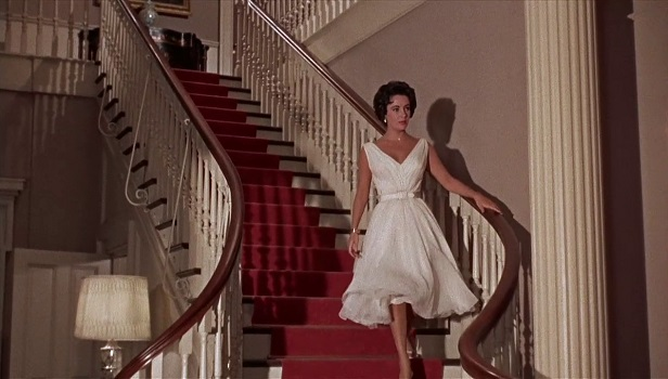 elizabeth-taylor-in-white-swing-dress-cat-on-a-hot-tin-roof